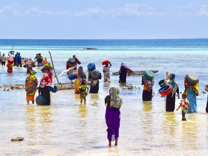 Nyika Discovery - Tanzanian people 03